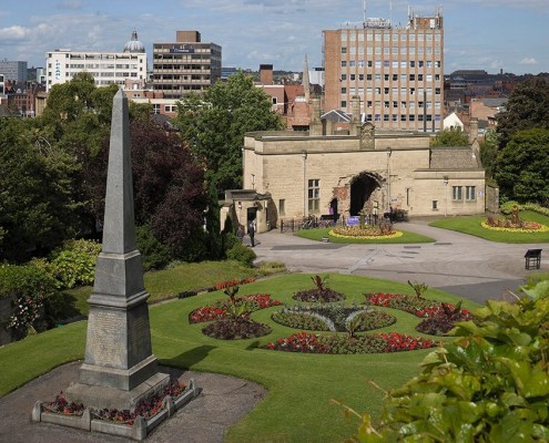 War memorial and Nottingham Castle Gatehouse